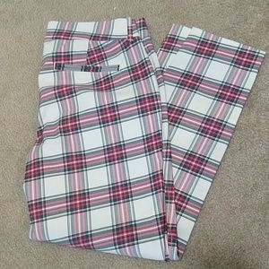 Old Navy Plaid Pixie/Ankle Pant